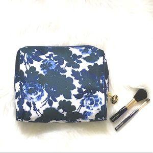 Vintage New ESTEE LAUDER Cosmetic Bag & Brushes